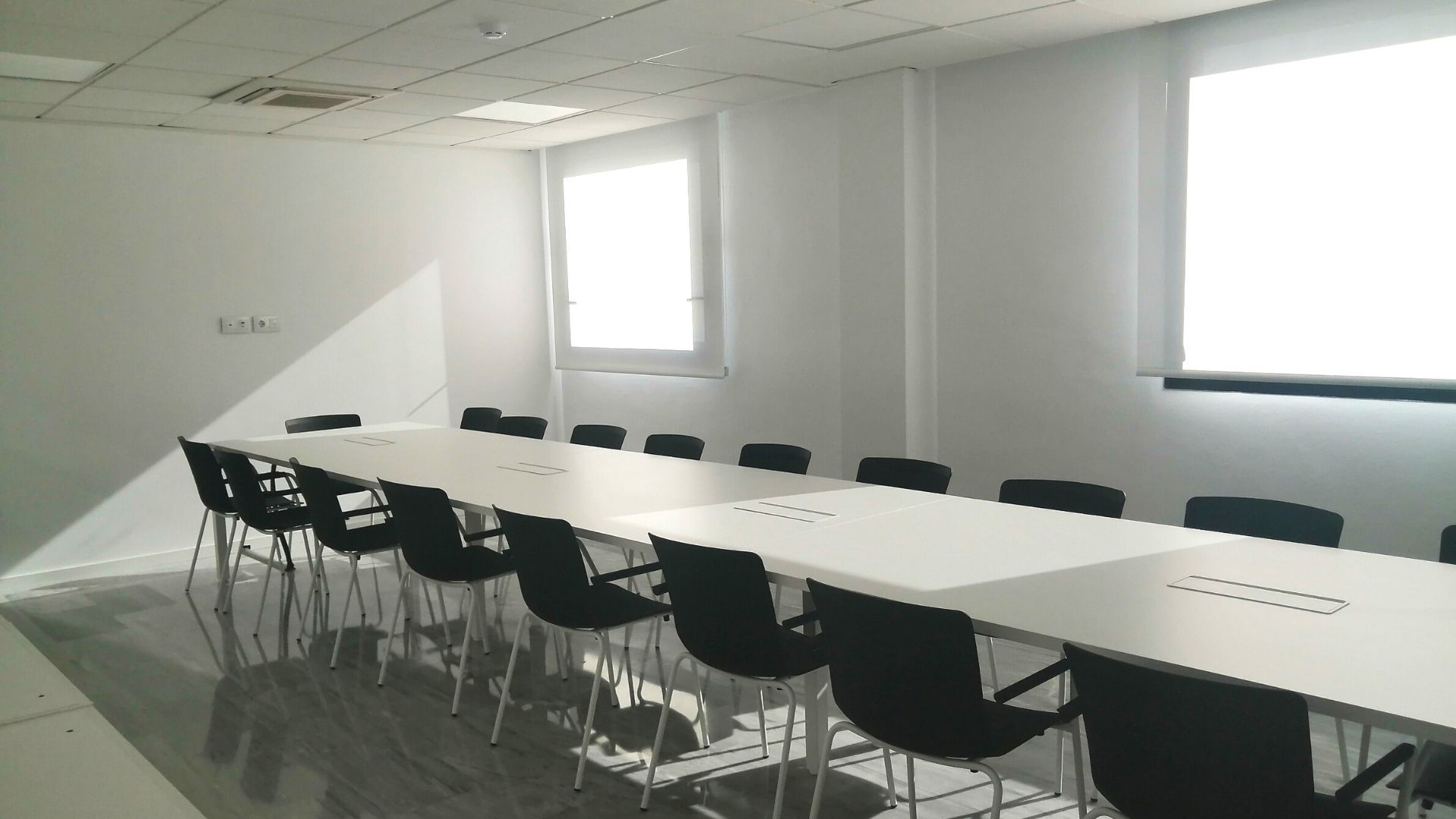 Our new Adessa office in Malaga is open! - victoria meeting room
