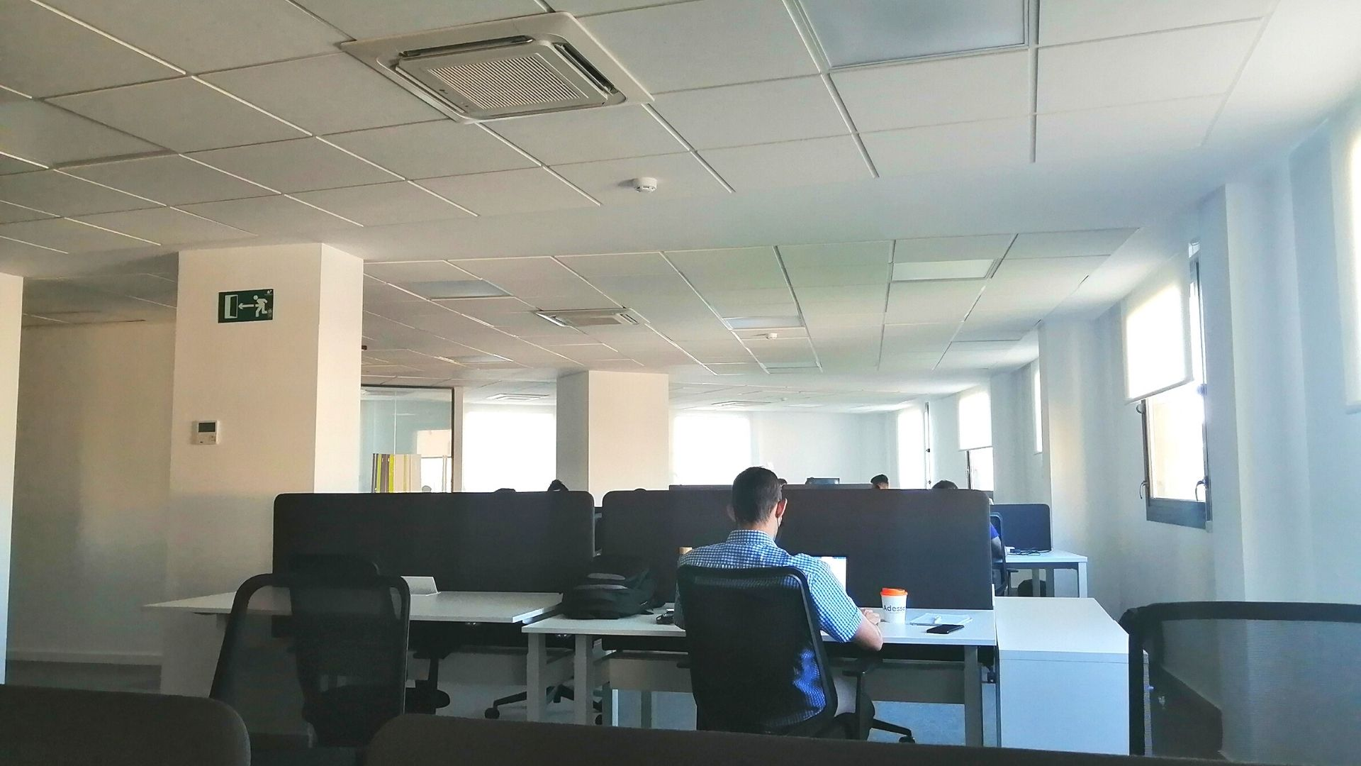 Our new Adessa office in Malaga is open! - desks